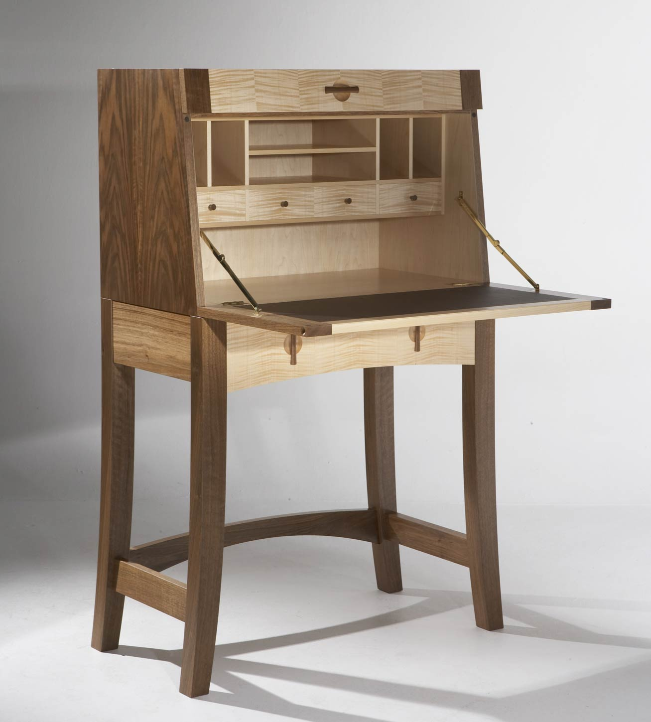 writing bureau in walnut maple makers 39 eye. Black Bedroom Furniture Sets. Home Design Ideas